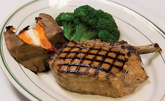 izzys-steaks-chops