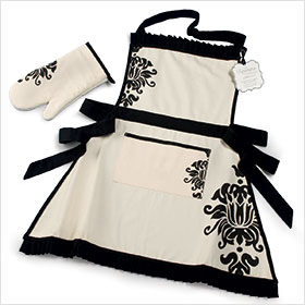 Apron-and-Oven-Mitt_The_Knot