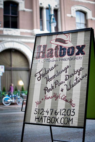 HATBOX_SIGN