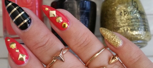 gold accent nails - 1