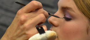 How to Use the Mascara Fan Brush
