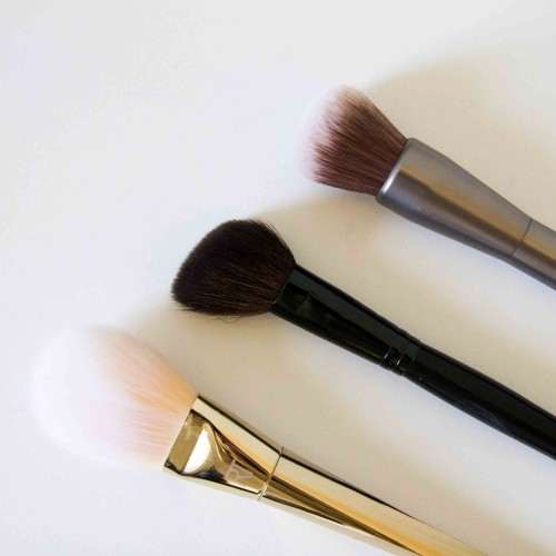 The-Beauty-Vanity-Essential-Brushes-3