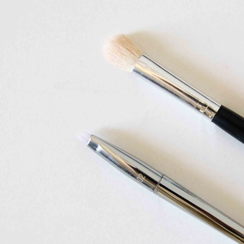 The-Beauty-Vanity-Essential-Brushes-4