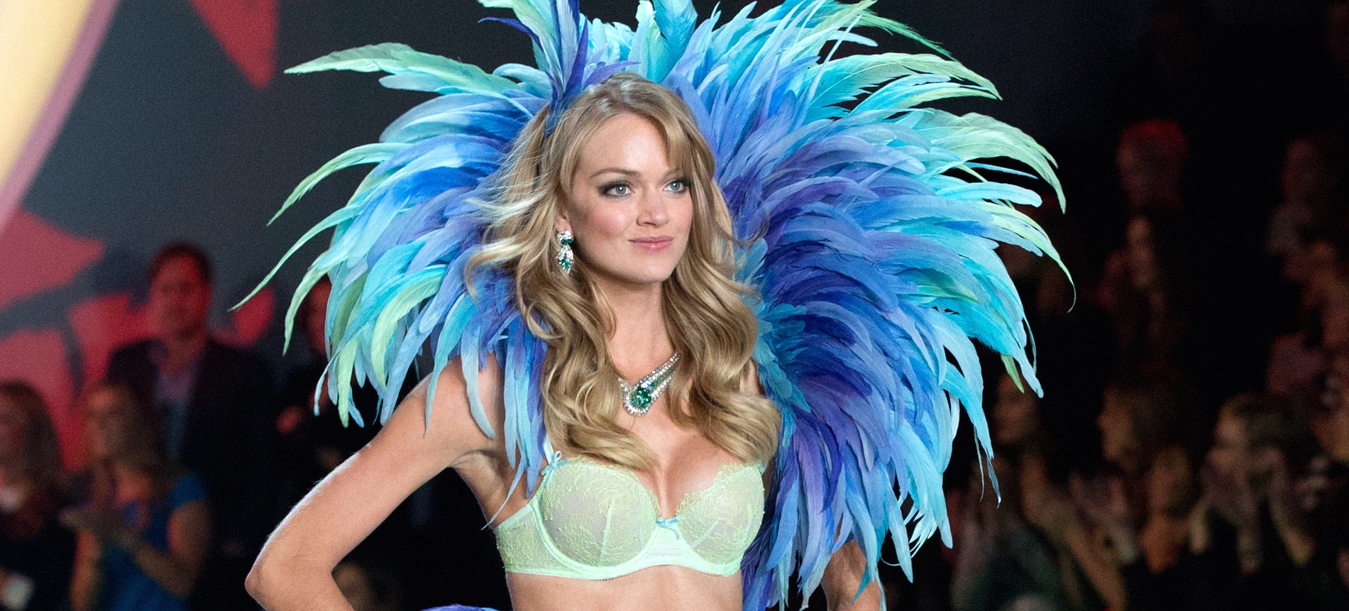 VS Model Lindsay Ellingson Shares Her Top 8 Beauty Essentials