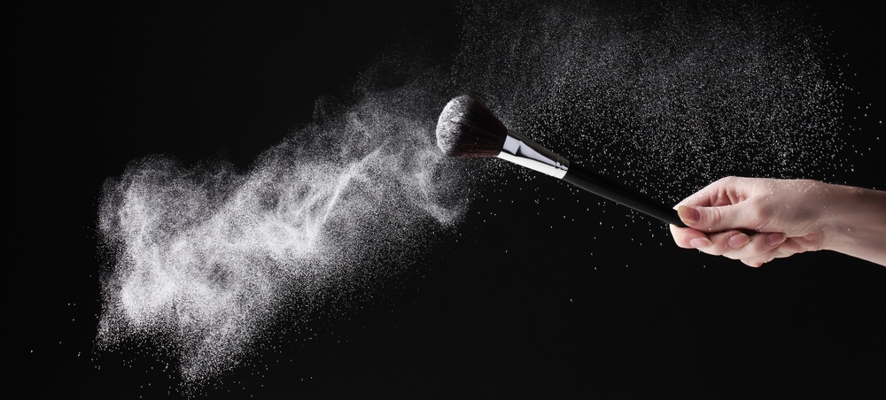 How The Experts Clean Their Brushes