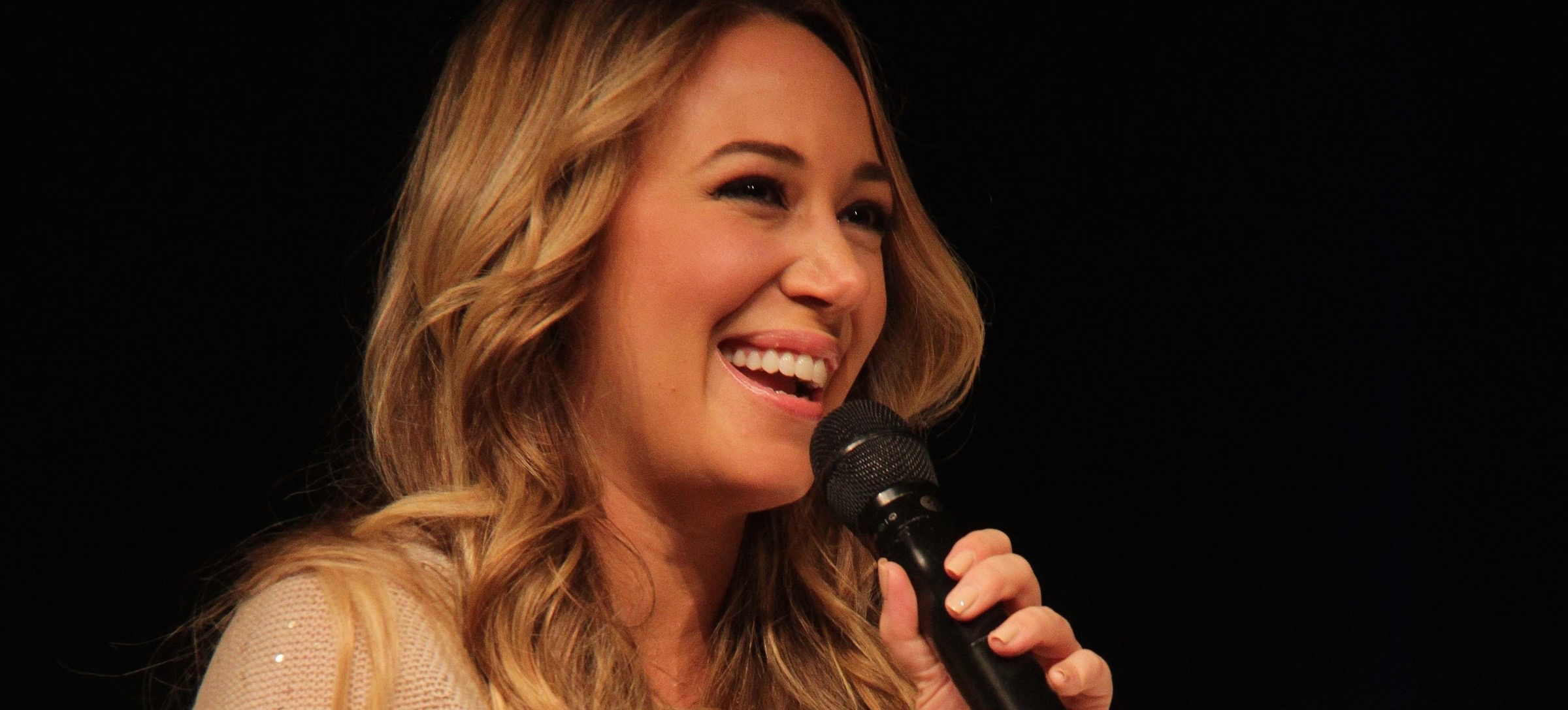 Haylie Duff's Happy, Healthy, Glowing Skin Tips