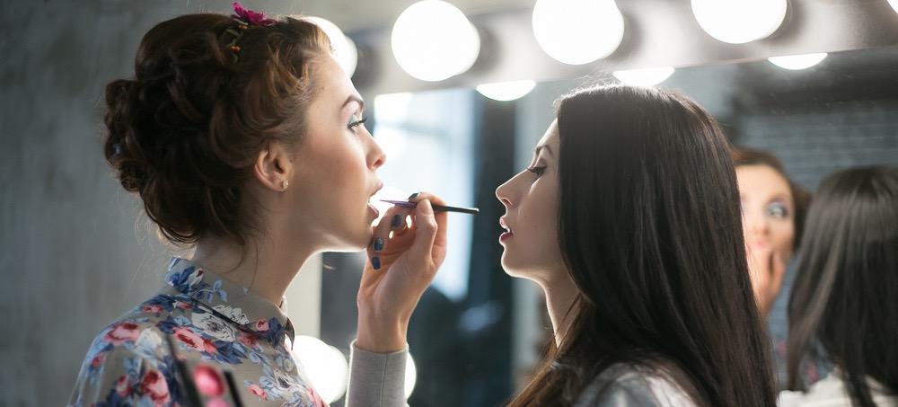7 On-Set Beauty Tricks Used By Pro Makeup Artists
