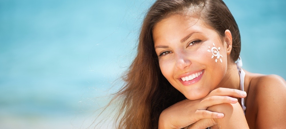 7 Natural Sunscreens for Sensitive & Acne Prone Skin