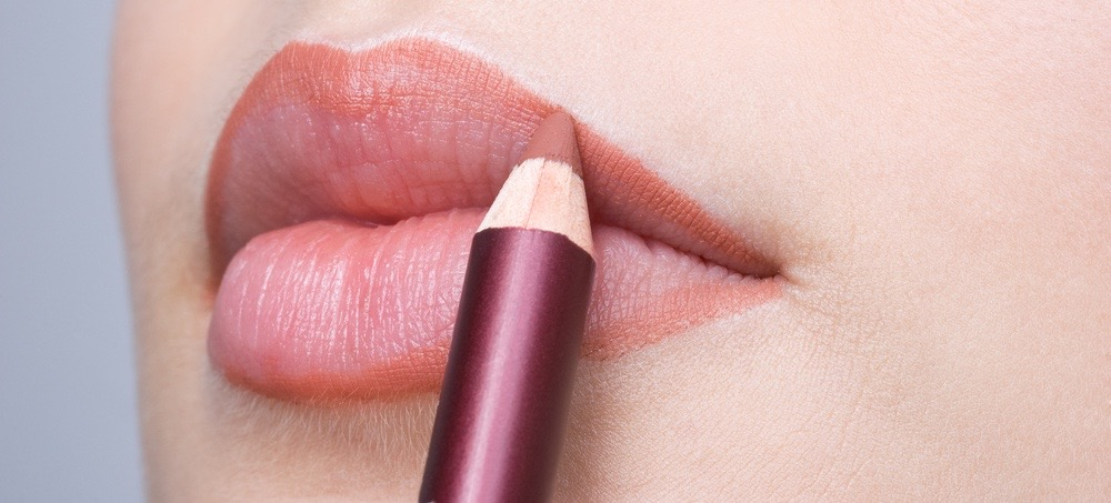 4 Steps to Lining Your Lips Perfectly Every Time