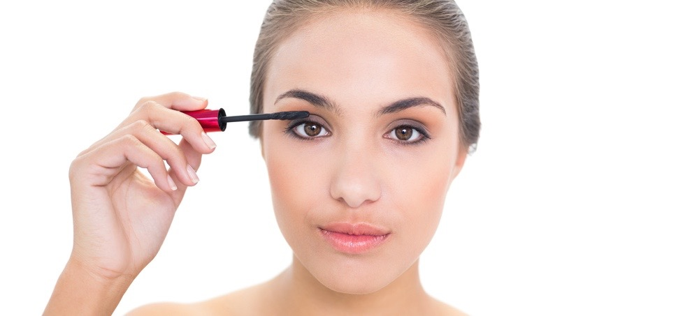 How to Do Your Makeup Without a Mirror