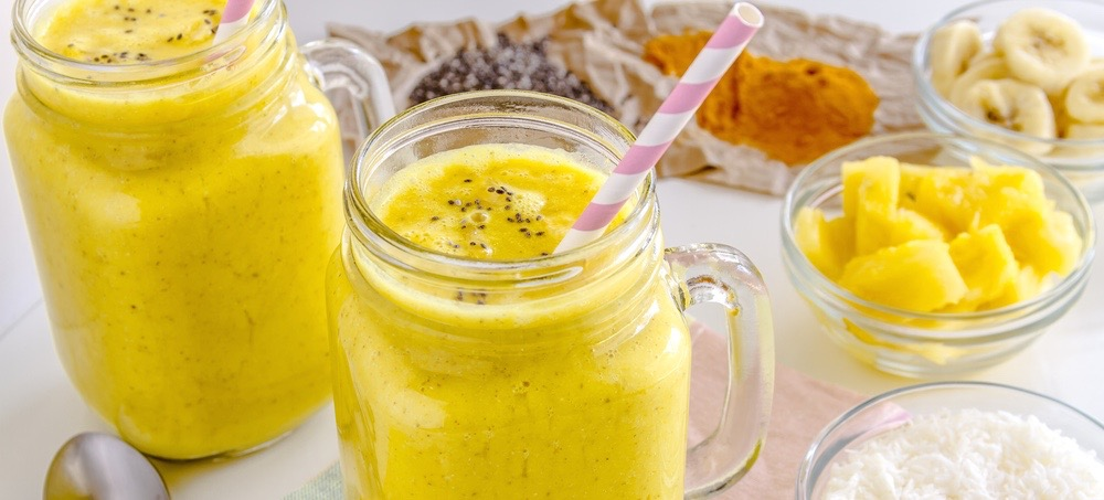 The Anti-Aging, Beautifying Smoothie: Coconut Turmeric Bliss