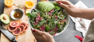 The Best (and Worst) Ingredients to Put in Your Salad