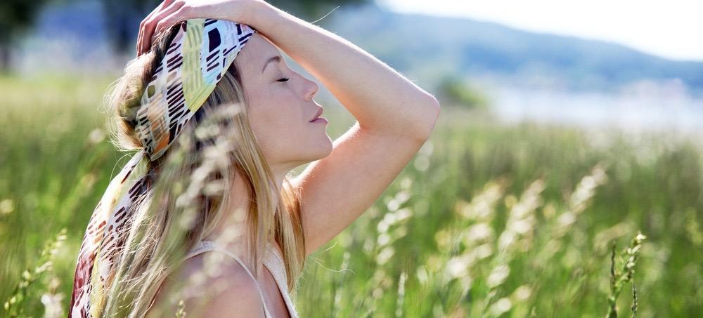 How Fashion-Girls Hide Bad Hair Days