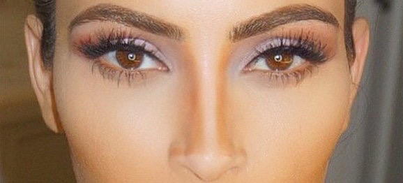 Kim Kardashian's Nose Contouring Hack