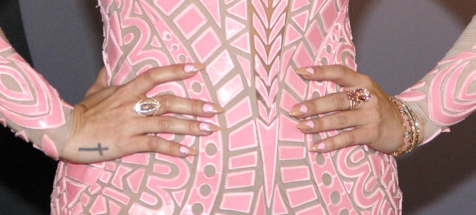 Zoom In: The Chicest Manicures From the MTV VMAs