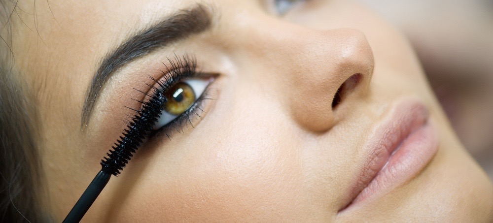 Short Lashes? The 6 Best Mascaras for You