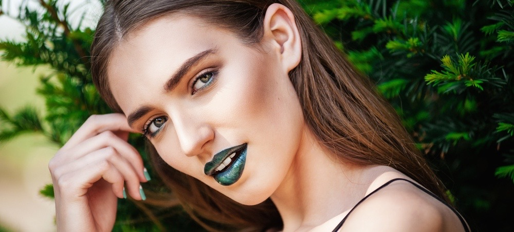 This Editor Try Crazy Lipstick Colors for a Week
