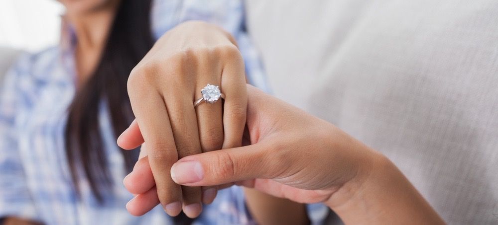 Get Picture-Perfect Hands For Your Ring Selfie