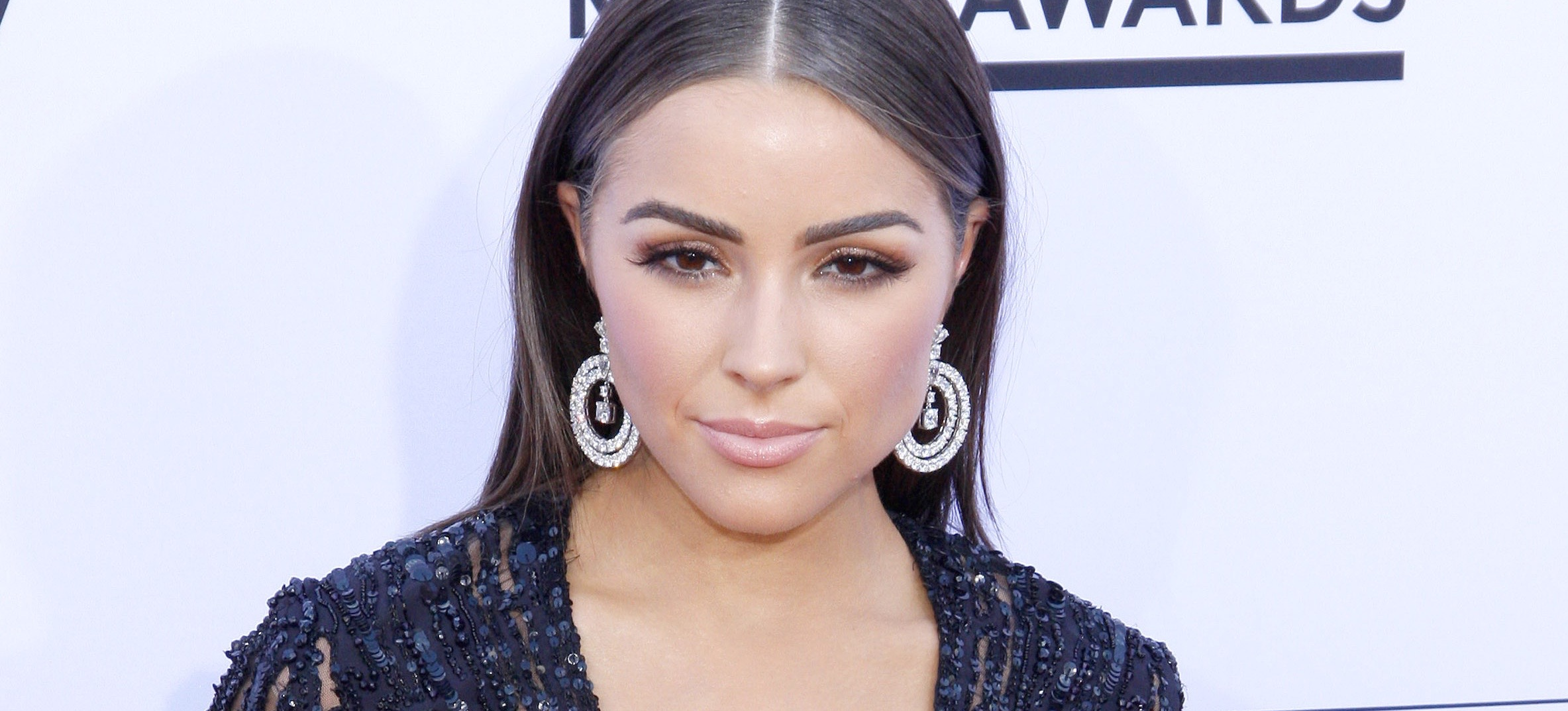 Olivia Culpo Shares Her 3 Favorite Go-To Makeup Looks