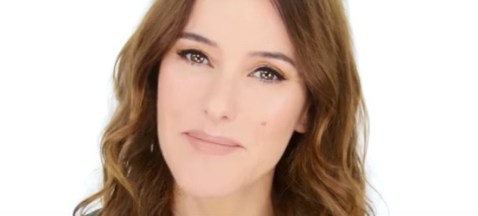 Tutorial: A Universally Flattering Makeup Look By Lisa Eldridge