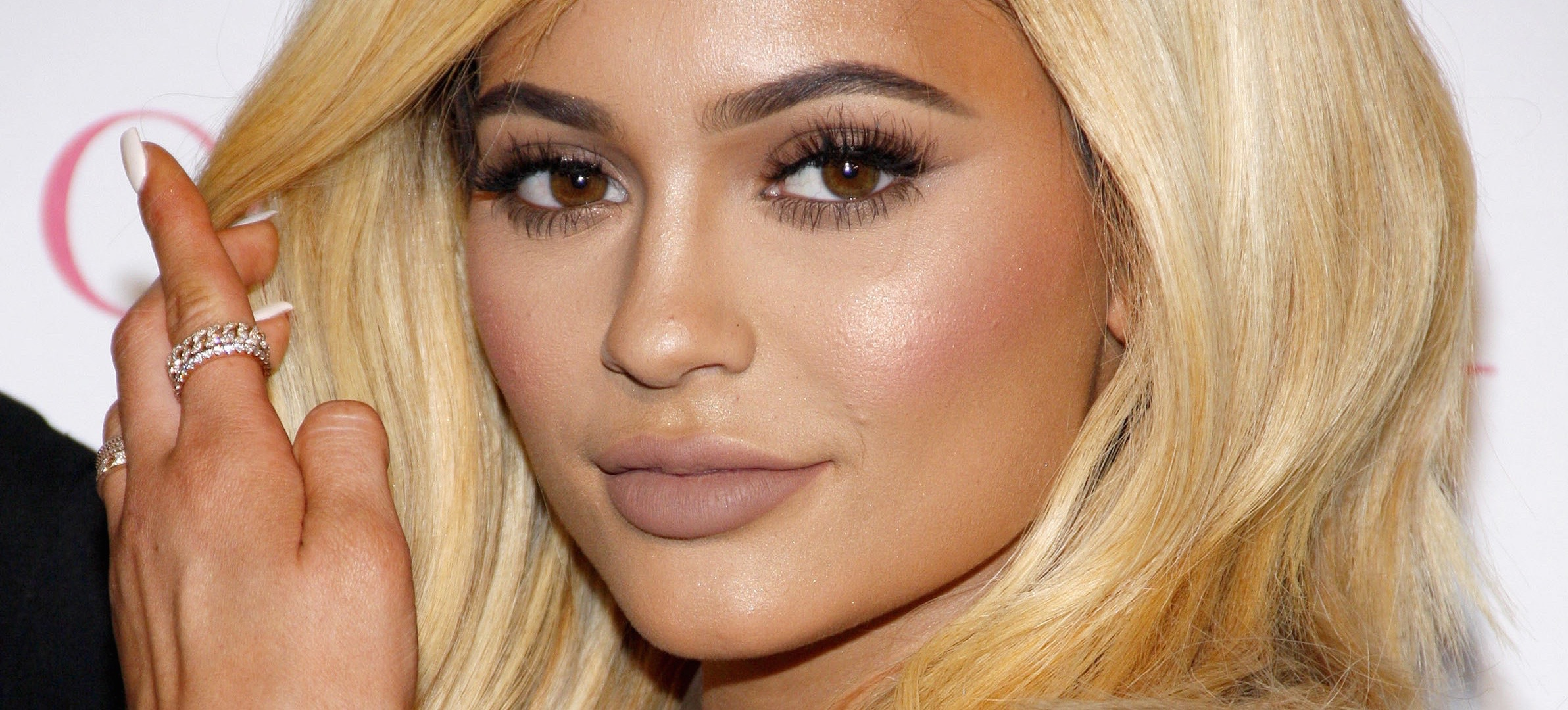 5 Game-Changing Beauty Hacks From Kylie Jenner's App