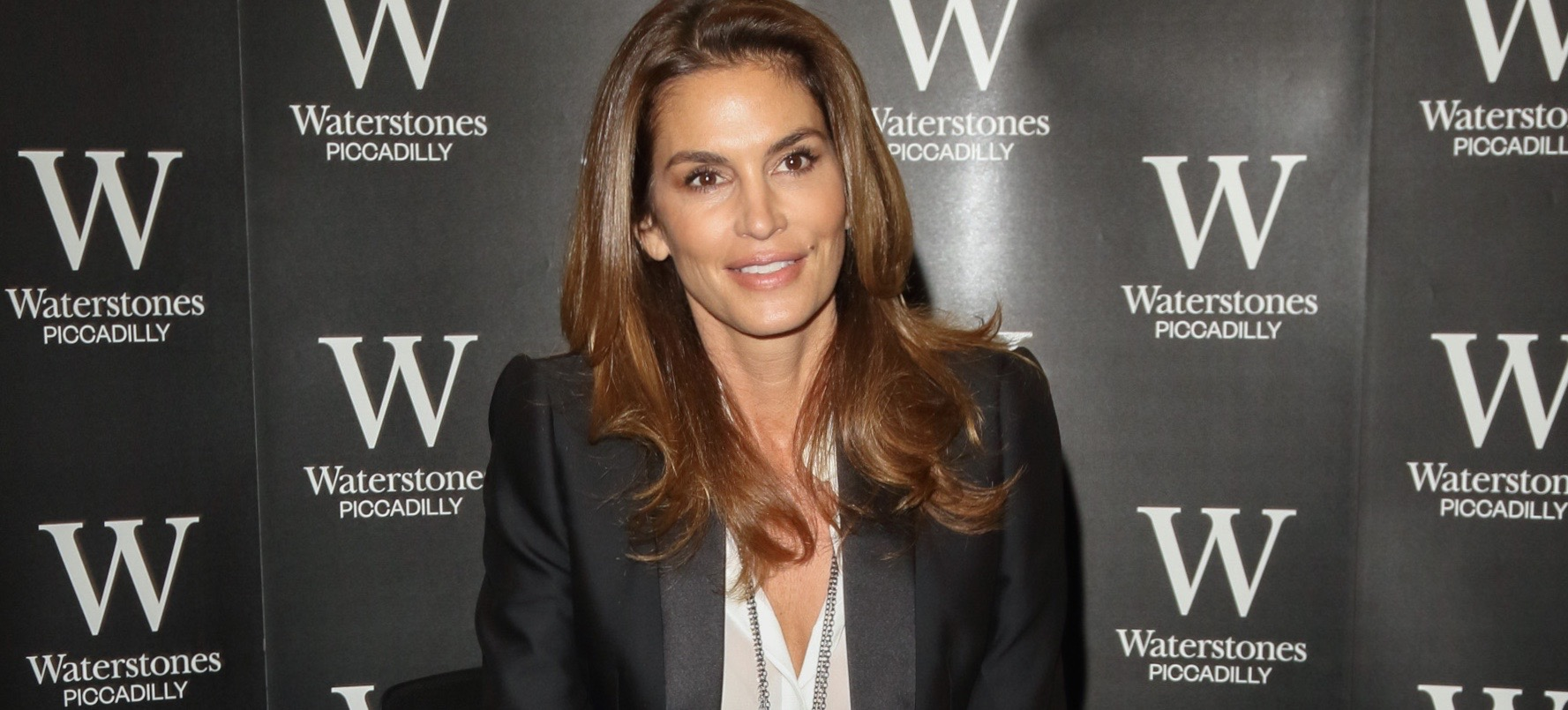 Cindy Crawford's No-Makeup Selfie, Plus A Few Of Her Beauty Secrets