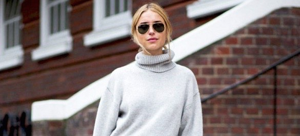 A Top Blogger's Chic Solution To Wearing A Maxi Skirt During Fall