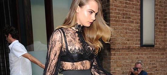Borrow This Alluring, It-Girl Look For Your Holiday Parties