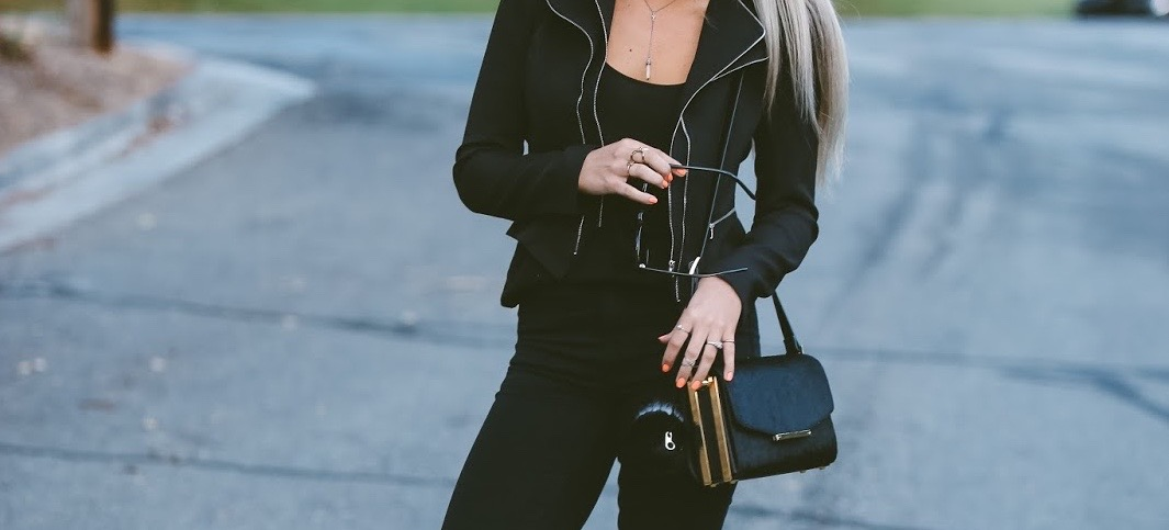 10 Perfect High-Waisted Black Jeans