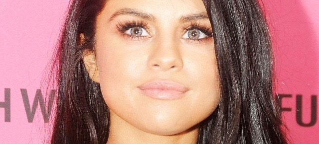 Here's Why Selena Gomez Wore Blue Contacts At The VS Fashion Show