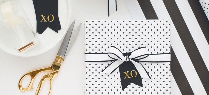 How To Wrap Gifts Like A Fashion Girl
