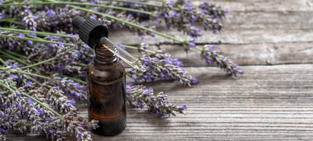 5 Easy Ways To Incorporate Essential Oils In Your Daily Routine