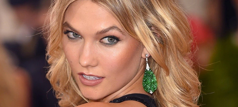 Karlie Kloss' First Makeup Tutorial Is Here (And It's Glorious)