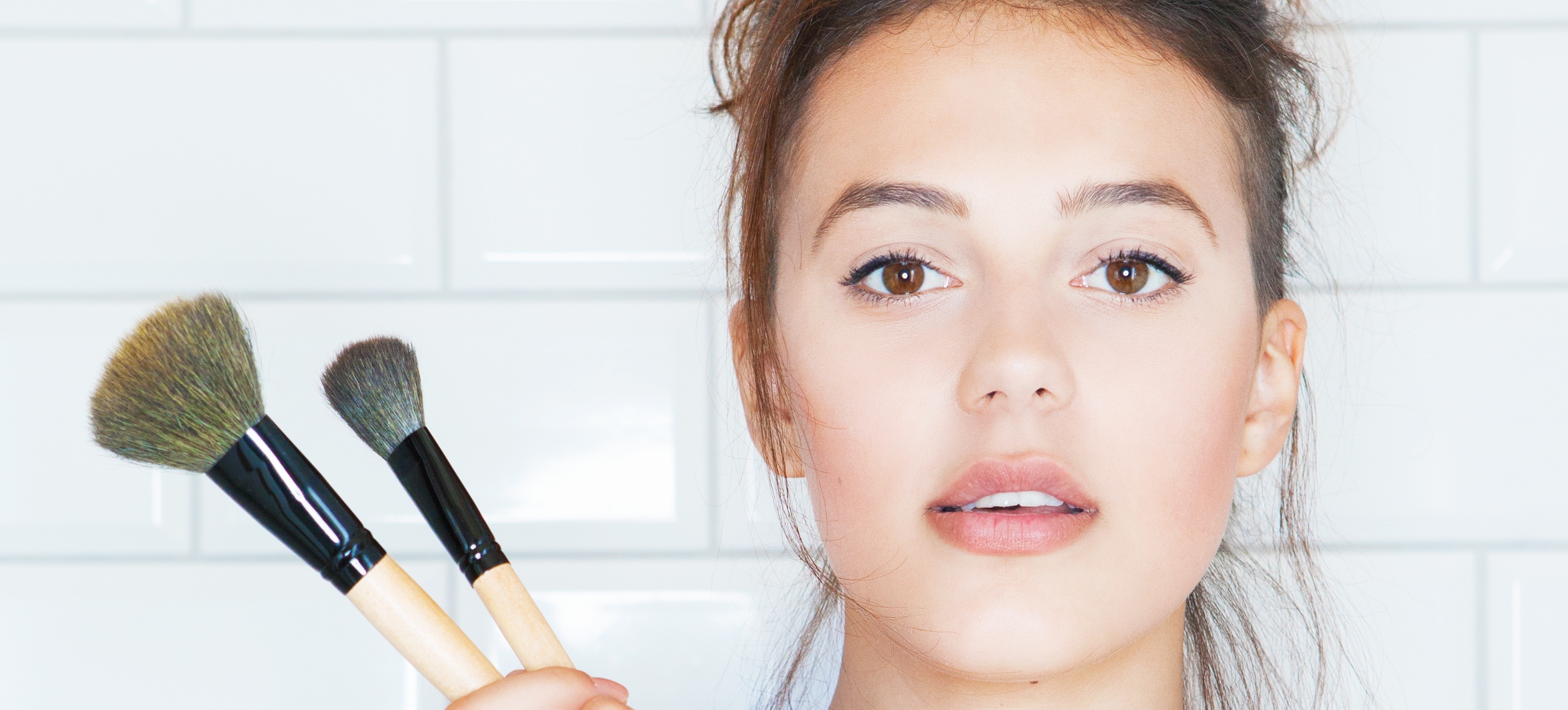 How To Wear Bronzer (The Right Way)