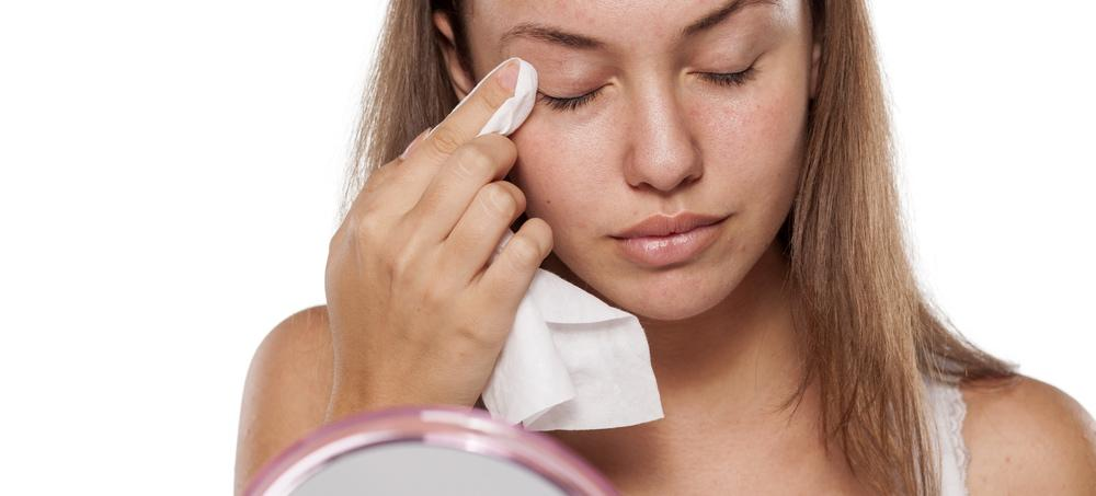 One Editor's Nightmare Experience With Facial Cleansing Wipes
