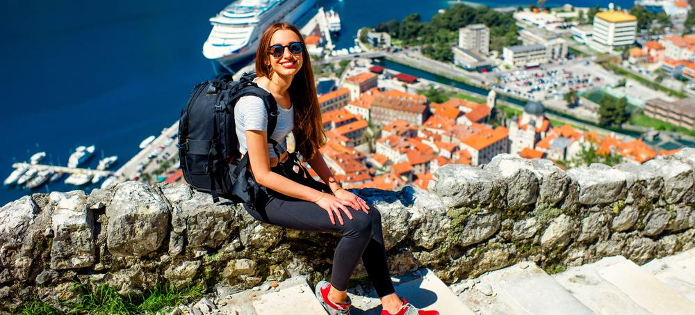 15 Secrets To Traveling Like A Local And Not Standing Out