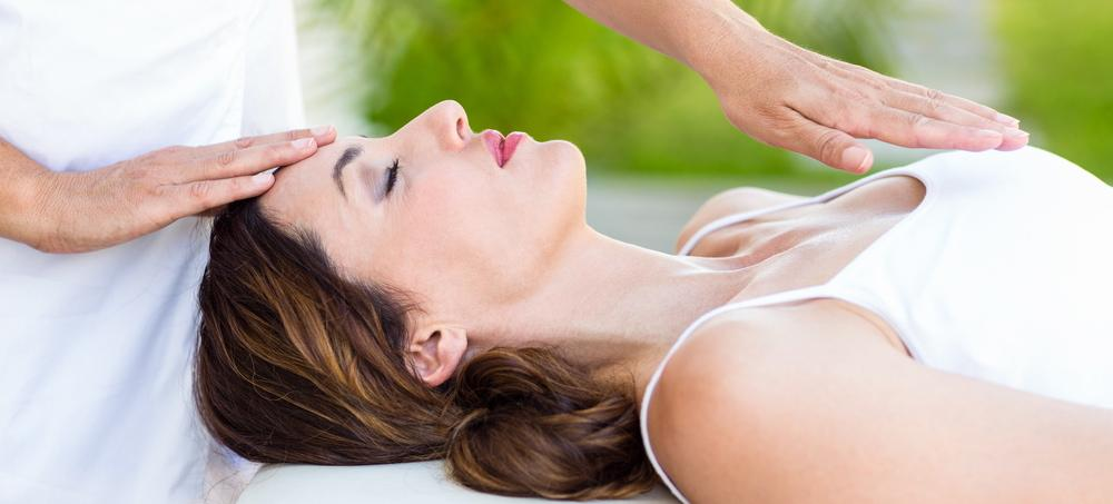 Reiki 101: How This Healing Method Can Help Reduce Stress